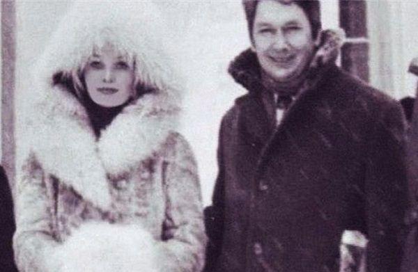 Кустинская и Борис Егоров стали жить вместе