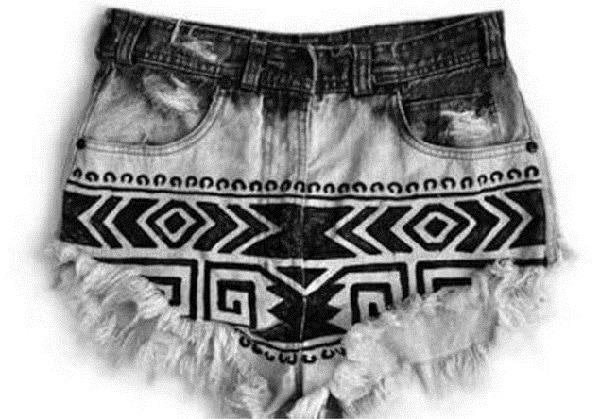 Узоры на джинсах с помощью перманентного маркера