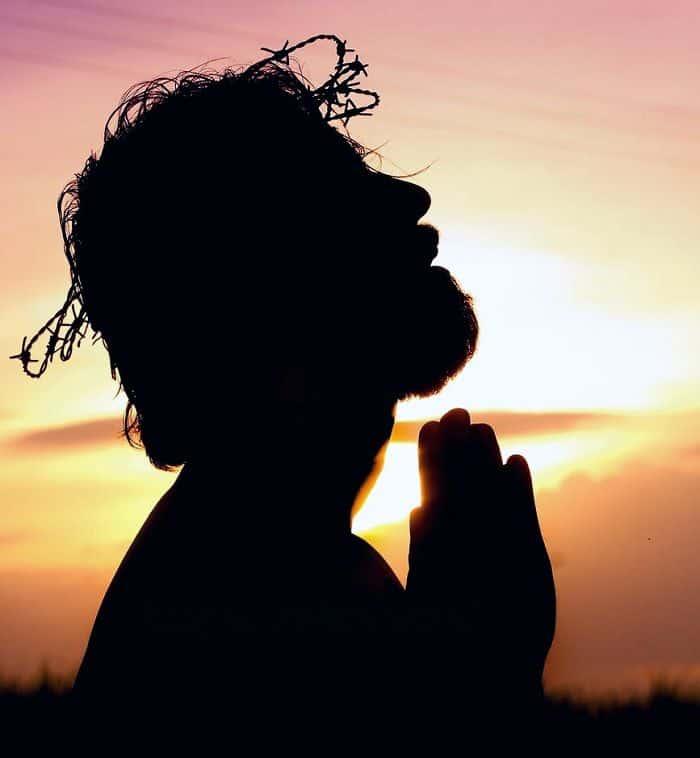 10 лучших молитв о благополучии и достатке